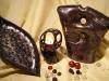 Schale Zweispitz + Teelichthalter Schleife + Skulptur Megalith